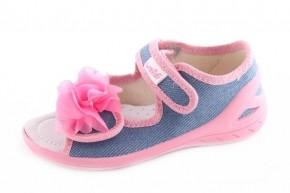 243393010 Детские тапочки – один из самых актуальных товаров среди детской обуви,  который пользуется большим спросом, как у постоянных оптовых покупателей,  ...